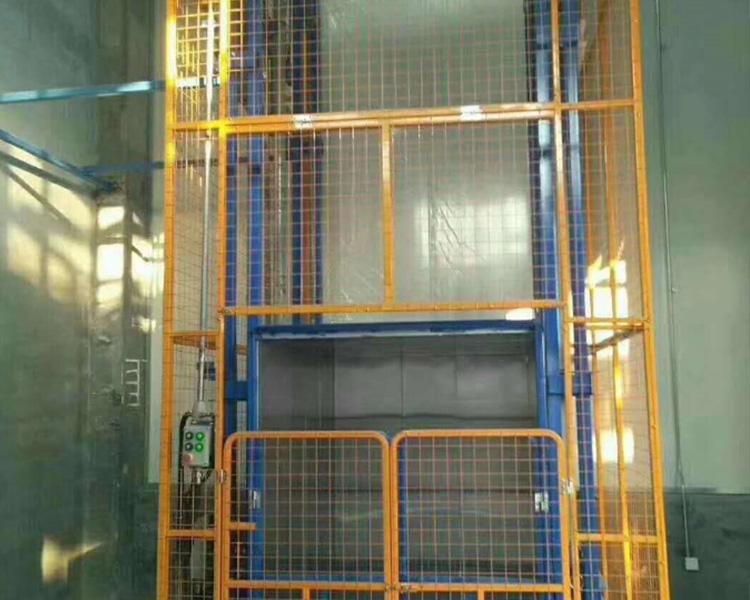 导轨式液压升降货梯的主体结构